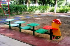 2.Скамейка детская разновысокая «Гусеница»