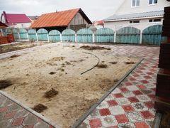 Место для размещения будущей детской площадки ракурс