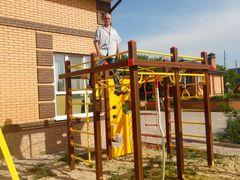 Спортивные элементы  детской площадки - высота взята!
