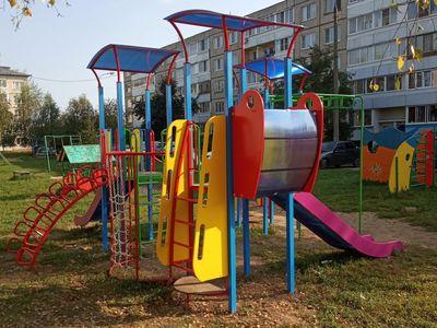 Детский игровой комплекс «Выдумка», вид со стороны смотрового балкона