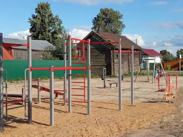 Универсальная спортивная и детская площадка в деревне Левенда Меленковского района Владимирской области